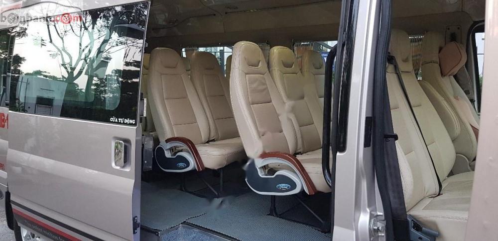 Bán Ford Transit bản cao cấp Luxury, đăng ký lần đầu T9/2015