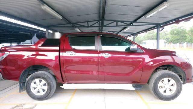 Cần bán lại xe Mazda BT 50 2014, màu đỏ, xe nhập số sàn, giá 450tr