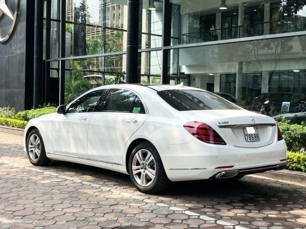 Cần bán Mercedes S450L 2018 chạy 3.000km, màu trắng giá tốt