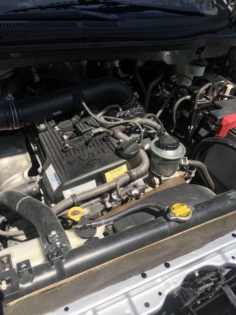 Bán xe Toyota Innova E năm sản xuất 2015, màu bạc chính chủ