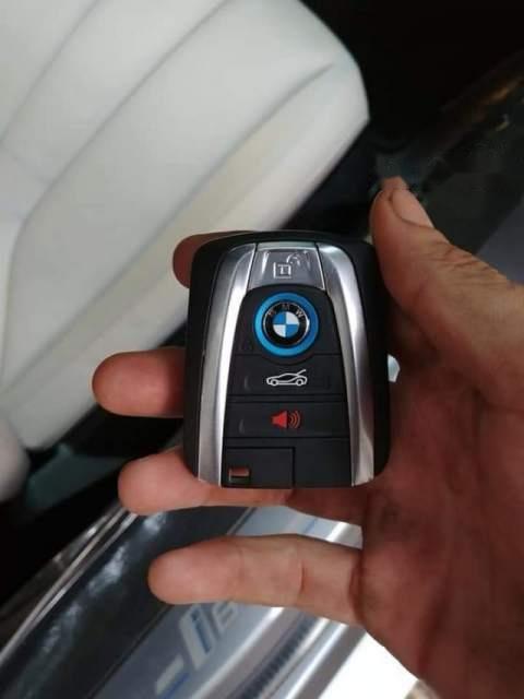 Cần bán lại xe BMW i8 sản xuất 2014, hai màu, xe nhập