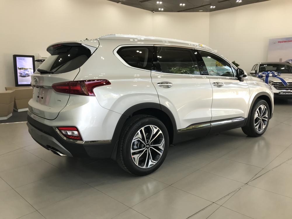 Bán Santa Fe 2019 - Xăng/Dầu đặc biệt, màu bạc, xe giao ngay