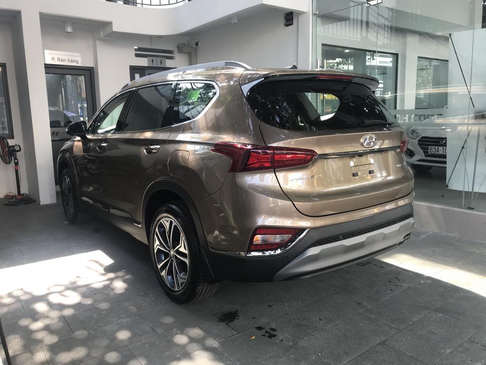 Cần bán xe Hyundai Santa Fe 2019, màu vàng