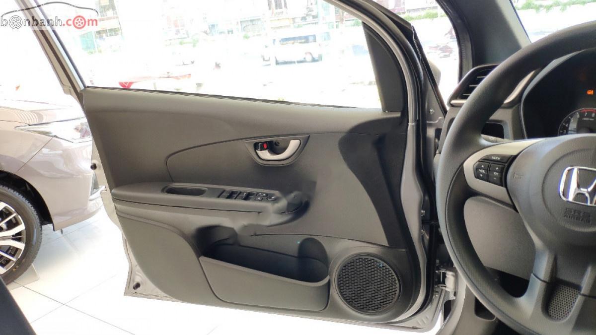 Bán Honda Brio đời 2019, màu bạc, xe nhập