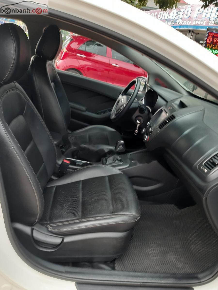 Bán Kia K3 1.6 MT năm sản xuất 2015, màu trắng, giá chỉ 426 triệu