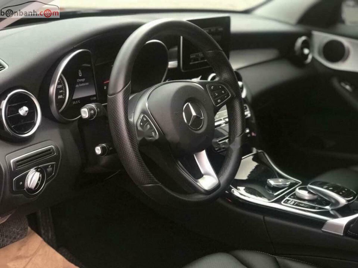 Bán Mercedes Benz C200 sản xuất năm 2015, màu đen đẹp như mới