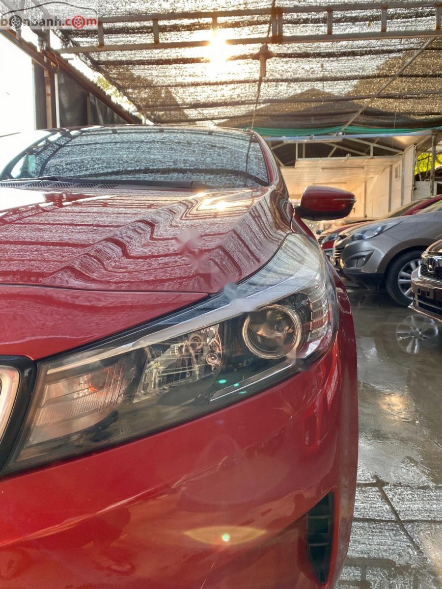 Cần bán Kia Cerato 2018, màu đỏ số sàn, giá tốt xe còn mới nguyên