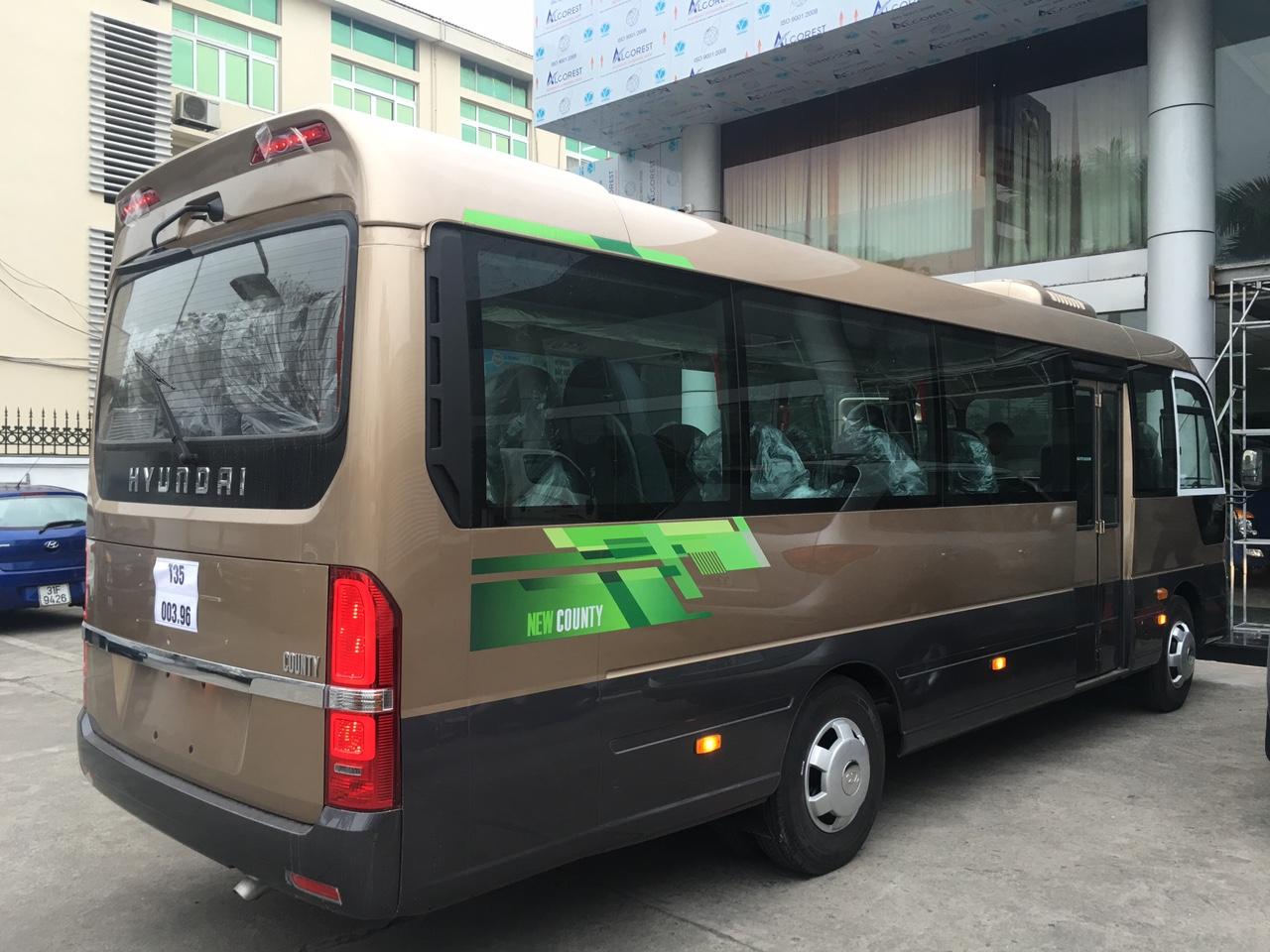 Xe khách 29 chỗ Hyundai new county 2019 nhập khẩu 3 cục hàn quốc