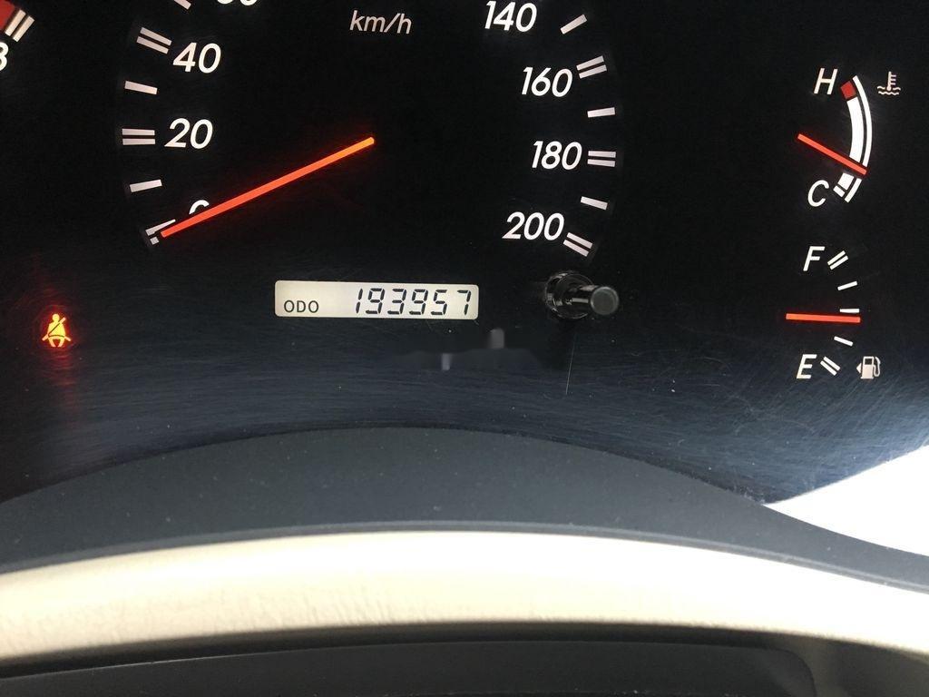 Bán Toyota Innova AT đời 2010, màu bạc số tự động, giá tốt
