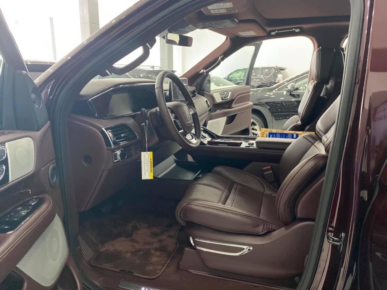 Bán Lincoln Navigator L balack Label đăng ký 2020, xe đẹp, biển Vip