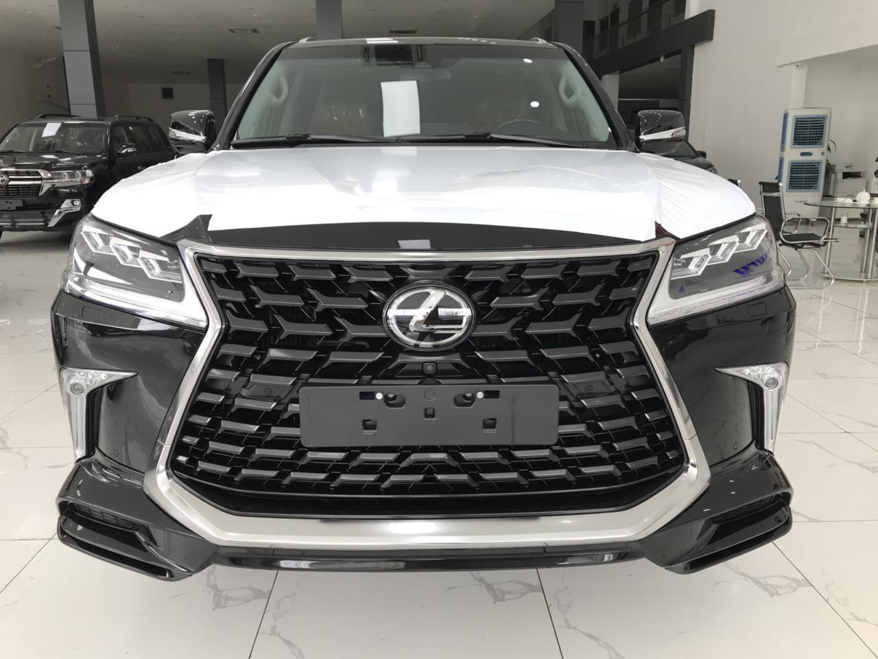 Bán xe Lexus LX 570 Super Sport sản xuất 2021, màu đen, nhập khẩu Trung Đông