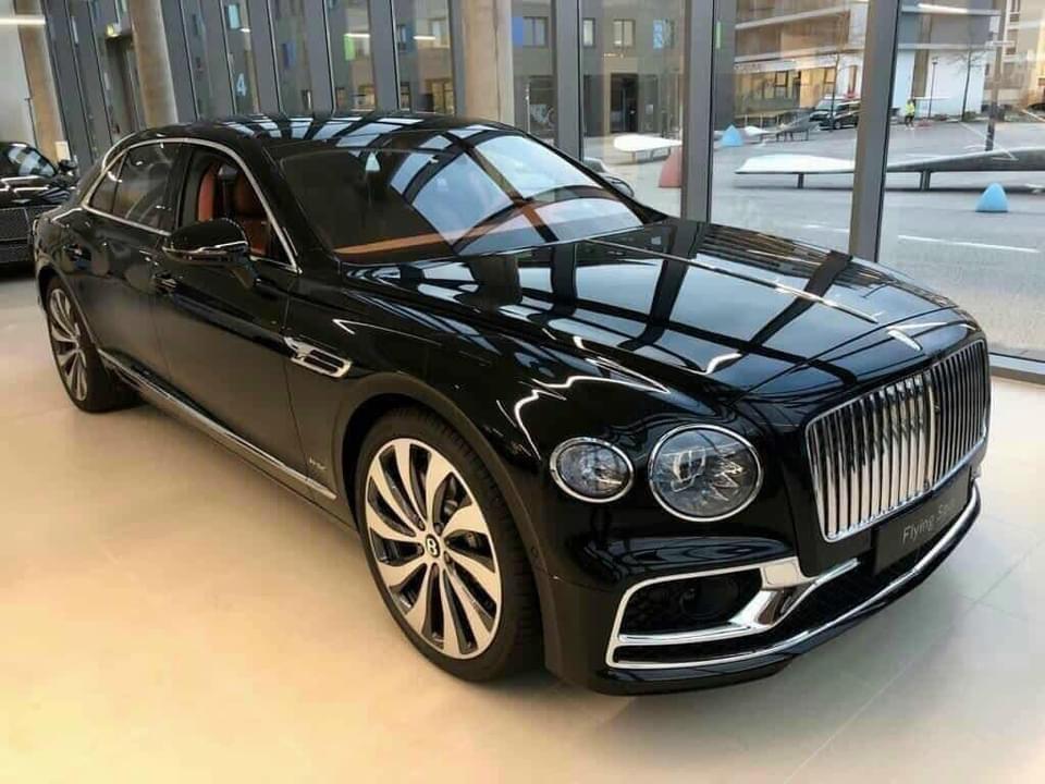 Bentley Continental Flying Spur V8 2021, màu đen, nhập khẩu, giá cực tốt