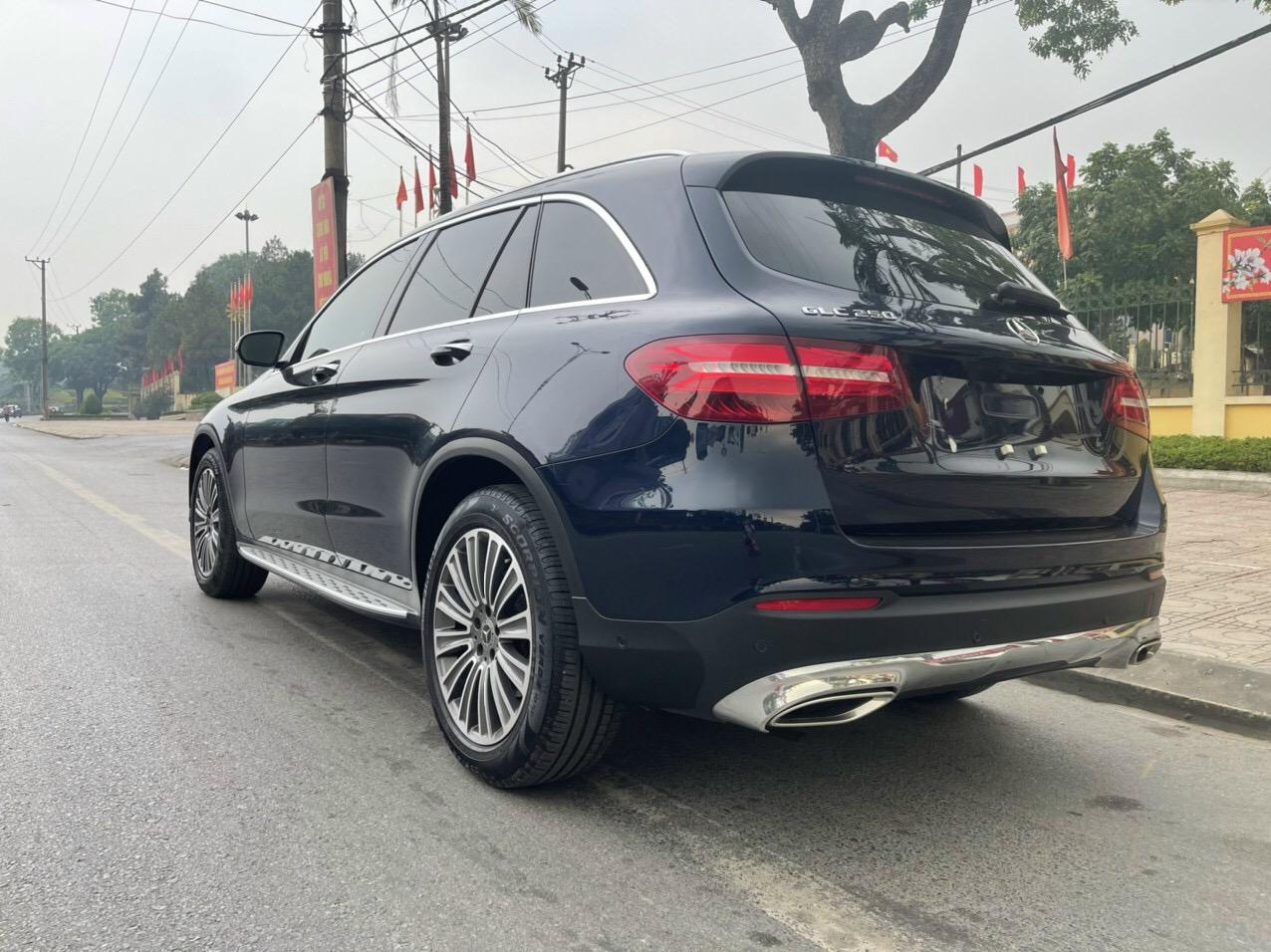 Bán xe Mercedes GLC250 sx 2019 lướt 20.000km