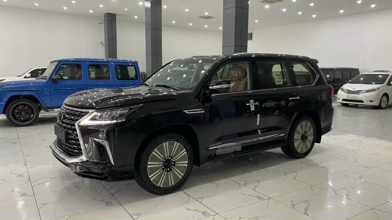 Bán ô tô Lexus LX 570 Super Sport đời 2021, màu đen, nhập khẩu chính hãng