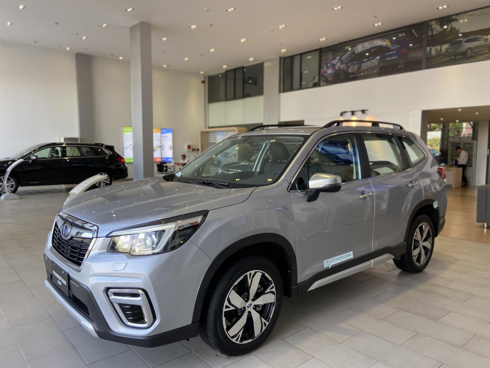 Bán ô tô Subaru Forester đời 2020, màu bạc, nhập khẩu