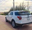 Cần bán Ford Explorer sản xuất năm 2017, màu trắng, xe nhập giá 2 tỷ 180 tr tại Tp.HCM