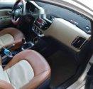 Cần bán gấp Kia Rio MT đời 2015, màu bạc, xe đẹp long lanh giá 400 triệu tại Thanh Hóa