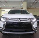 Cần bán xe Mitsubishi Outlander 2.0 CVT đời 2018, màu trắng  giá 808 triệu tại Tp.HCM