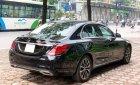 Cần bán gấp Mercedes C200 đời 2019, màu đen, chính chủ