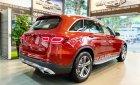 Cần bán lại xe Mercedes GLC200 đời 2020, màu đỏ, như mới