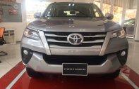 Cần bán Toyota Fortuner 2.4V máy xăng, số tự động, đời 2018 (nhập khẩu), màu bạc, có đủ màu, giao xe ngay giá 1 tỷ 139 tr tại Tp.HCM