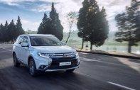 Bán Mitsubishi Outlander phiên bản mới, nhập khẩu nguyên chiếc, khuyến mãi cực lớn giá 943 triệu tại Nghệ An