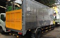 Xe tải thùng kín gắn bửng nâng Hino Dutro 5 tấn giá 570 triệu tại Tp.HCM