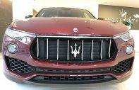 Bán xe Maserati Levante màu đỏ nhập khẩu mới 100%, bán maserati levante giá tốt nhất giá 4 tỷ 990 tr tại Tp.HCM