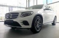 Bán xe Mercedes GLC 300 màu trắng giá tốt. Giao xe ngay giá 2 tỷ 209 tr tại Hà Nội