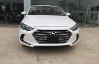 Cần bán Hyundai Elantra 1.6 MT đời 2018, màu trắng, giá bán thương lượng giá 547 triệu tại Hà Nội