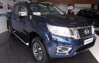 Cần bán Nissan Navara VL 2.5 AT 4WD đời 2017, màu xanh lam, nhập khẩu nguyên chiếc, 815 triệu giá 815 triệu tại Hà Nội