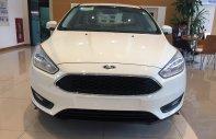 Bán Ford Focus 2018, hỗ trợ trả góp lên tới 90%, chỉ cần 100tr nhận xe ngay. Hỗ trợ giảm giá lên tới 70tr đồng giá 575 triệu tại Hà Nội