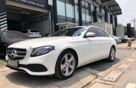 Bán Mercedes E250 2017, màu trắng giá 2 tỷ 290 tr tại Tp.HCM