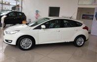 Bán Ford Focus Trend 1.5L đời 2018, màu trắng, giá tốt giá 575 triệu tại Hà Nội