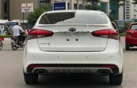 Cần bán lại xe Kia Cerato Signature 1.6 AT đời 2017, màu trắng giá 626 triệu tại Hà Nội