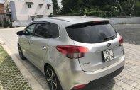 Cần bán Kia Rondo 1.7 AT năm sản xuất 2016, màu bạc xe gia đình, giá tốt giá 645 triệu tại Tp.HCM
