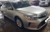 Bán Toyota Camry 2.0E đời 2016, màu bạc xe gia đình giá 920 triệu tại Tp.HCM