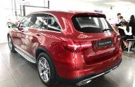 Bán xe Mercedes GLC 300 năm 2018, màu đỏ giá 2 tỷ 159 tr tại Hà Nội