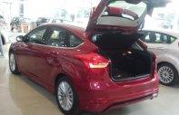 Bán Ford Focus Hạng C đời 2018, màu đỏ, giá 600tr giá 600 triệu tại Tp.HCM