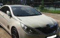 Cần bán gấp Hyundai Sonata 2.0 MT sản xuất 2010, màu trắng giá 458 triệu tại Hà Nội