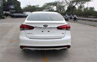 Bán Kia Cerato 1.6 AT sản xuất năm 2018, màu trắng, hỗ trợ vay tối đa 90% giá 589 triệu tại Tp.HCM
