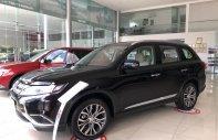 Bán xe Outlander màu đen giảm 51 triệu, giao xe ngay giá 807 triệu tại Đà Nẵng