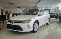 Cần bán xe Toyota Camry 2.5Q 2018, màu trắng, số tự động 6 cấp giá 1 tỷ 280 tr tại Khánh Hòa