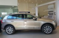 SUV đáng mua nhất năm! Volkswagen Touareg vàng cát, nhập Đức, giá tốt, ưu đãi khủng nhất VN, LH: 0901933522-0901933422 giá 2 tỷ 499 tr tại Ninh Thuận