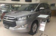 Cần bán xe Toyota Innova đời 2018, màu xám, giá 718tr giá 718 triệu tại Tp.HCM