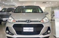 Hyundai Grand i10 1.2 AT màu bạc giá khuyến mãi tháng 8 cực hấp dẫn, hỗ trợ vay trả góp NH lãi suất ưu đãi giá 405 triệu tại Tp.HCM