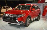 Bán xe Mitsubishi Outlander 2.0 số tự động, 807 triệu đồng, màu đỏ, hỗ trợ cho vay 80% giá trị xe giá 807 triệu tại Nghệ An