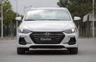 Bán Hyundai Elantra trắng, giao ngay giá 739 triệu tại Tp.HCM