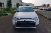 Bán Mitsubishi Outlander 2.0 CVT 2018, màu trắng, giá tốt nhất, xe giao ngay giá 808 triệu tại Hà Nội