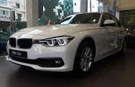 Cần bán xe BMW 320i đời 2018, màu trắng giá 1 tỷ 379 tr tại Tp.HCM